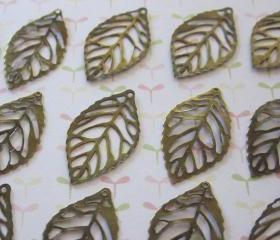 Filigree Leaves Small antique bronze (10)