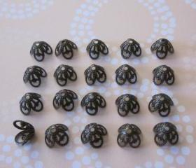Antique Brass Bead Cap 8 1/2mm X 6mm (24)