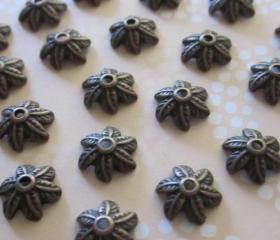 Antique Copper 6 Petal Leaf Bead Cap (10)